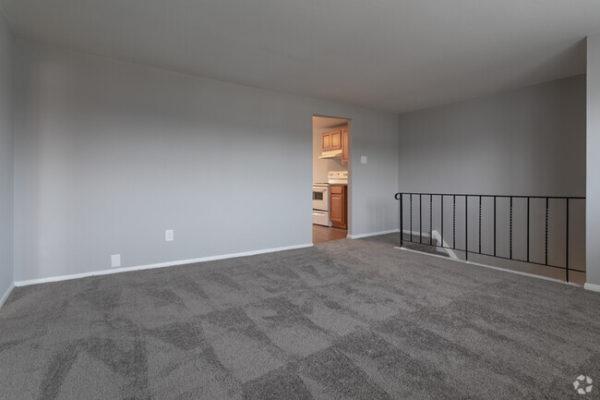 sunset-heights-apartments-burlington-nj-living-room (2)